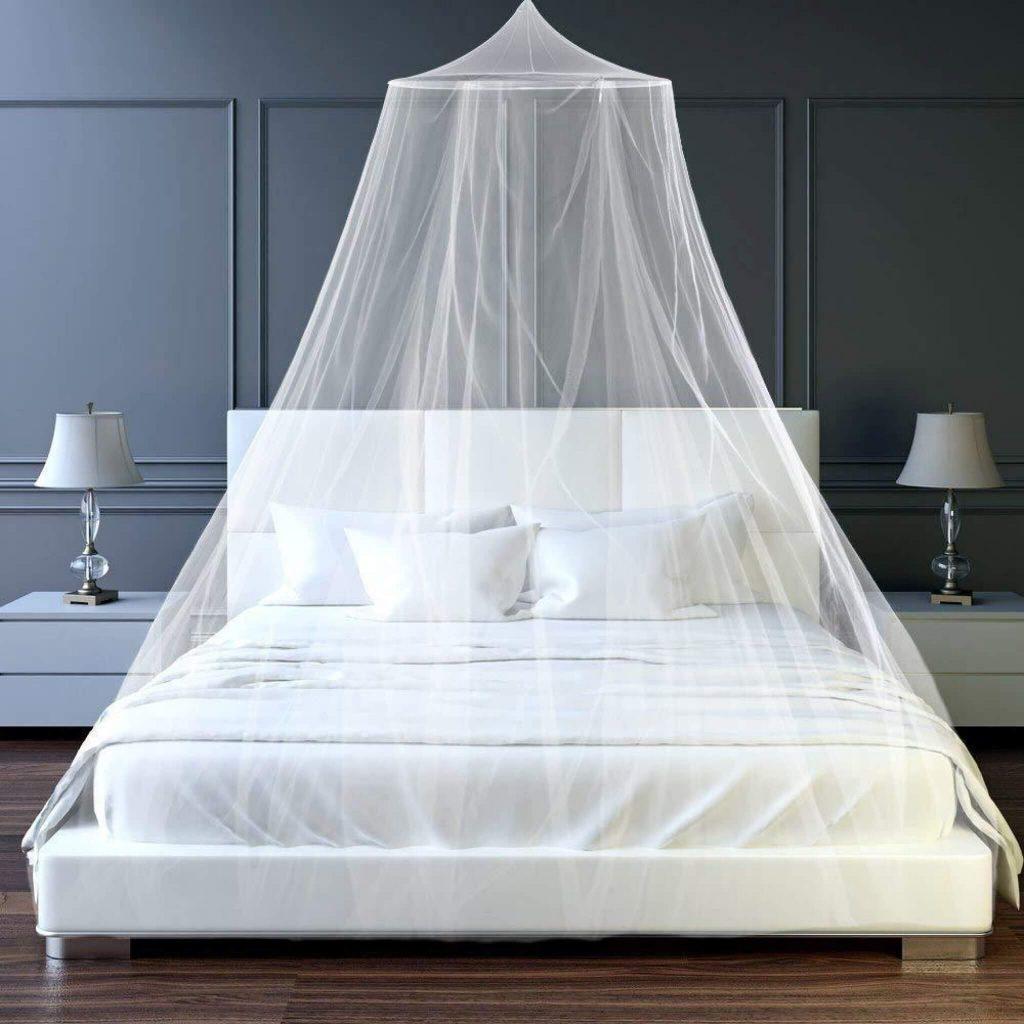 jak se zbavit komárů – moskytiéra nad postelí