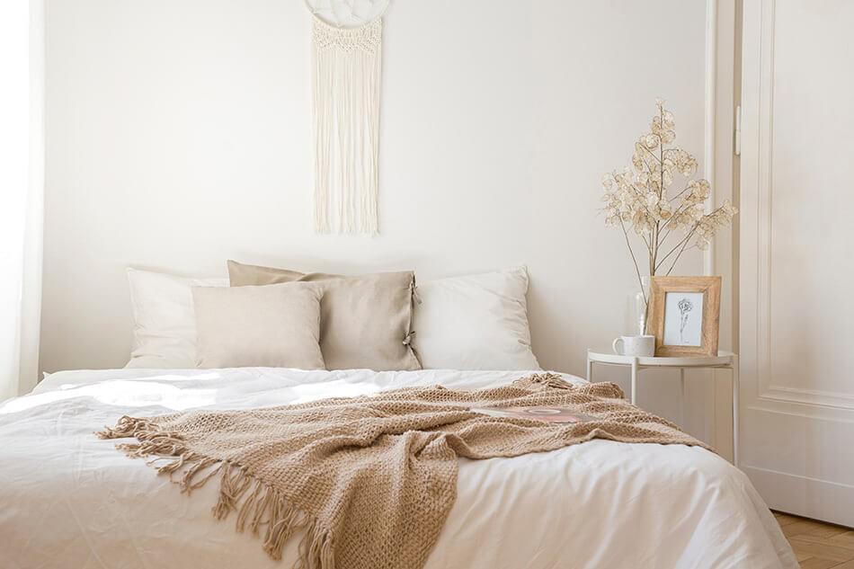 ložnice béžová barva